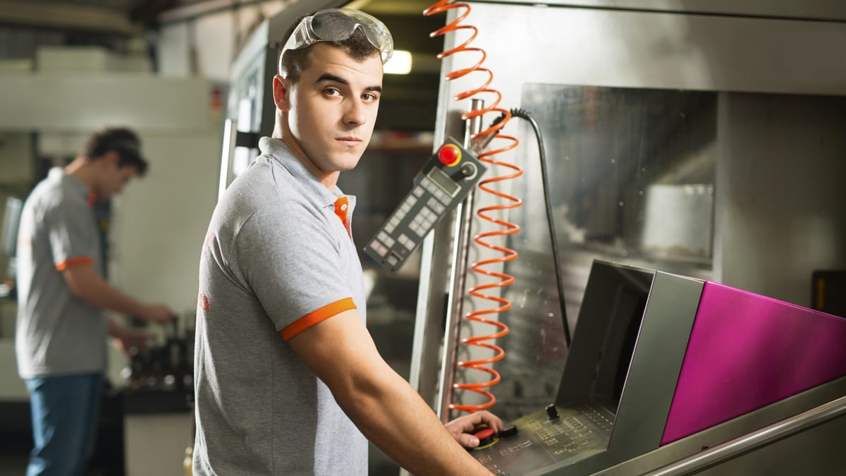 Position Profile: Why Become A Machinist? | Xemplar Tradesmen Recruiting